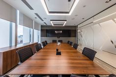 Inside Hitachi Rail Europe's Modern London Office - Officelovin'