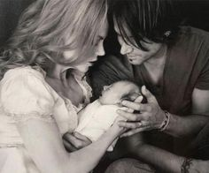 Sunday Rose is the daughter of Nicole Kidman and Keith Urban Celebrity Baby Names, Celebrity Babies, Celebrity Couples, Celebrity Photos, Celebrity Style, Great Father, Happy Father, Catholic Names, Nicole Kidman Family