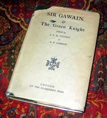 27 best multi media images on pinterest green knight knight and sir gawain and the green knight cover see more tolkein translation without the illustrated cover fandeluxe Gallery