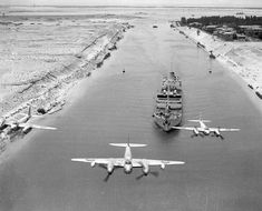 """bmashina: """"Mosquito of the 13 squadrons of RAF patrol the Suez canal in Egypt. """" bmashina: """"Mosquito of the 13 squadrons of RAF patrol the Suez canal in Egypt. Ww2 Aircraft, Fighter Aircraft, Military Aircraft, Fighter Jets, Photo Avion, De Havilland Mosquito, Ww2 Planes, Aircraft Pictures, Wwii"""