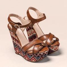 Aquí te dejamos los que pueden ser tus favoritos. #calzado #pakar #shoes #loveshoes #ventaporcatalogo #calzadoporcatalogo #shoescollection #shoescollectionpakar #mexico #womensfashion #womenshoes #shoeslovers #shoeslove #fw1617 #moda #fashion #fashionstyle #style #estilo #modamexicana #modamujer #lovefashion #fashionpost #fw16 #plataformas #sandalias #fashionista #loveheels #musthaveit #scpakar.com