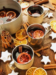 It is that time of year after all #mulledwine #fall #christmasiscoming @amymackenzie