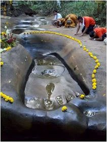 Lord Hanuman's Giant Footprints throughout Asia Aug 2015 Giant Footprint at Lepakshi, Andhra Pradesh Most people are familiar with Lord Hanuman. Ancient Aliens, Ancient History, Nephilim Giants, Ancient Artifacts, Ancient Civilizations, Gods And Goddesses, Archaeology, Creepy, Mystery