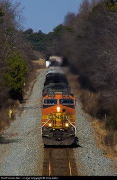 RailPictures.Net Photo: BNSF 4529 BNSF Railway GE C44-9W (Dash 9-44CW) at Flowery Branch, Georgia by Chip Allen