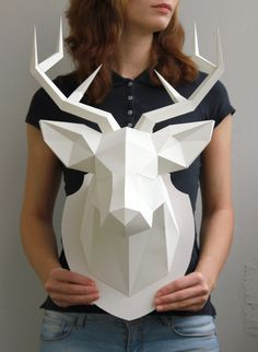 DIY – Deer head – Paper craft – Geometric – Polygon – Trophy – Wall – Decoration – Idea – Inspiration – is creative inspiration for us. Get more photo about home decor related with by looking at photos gallery at the bottom of this page. Paper Craft Work, Paper Wall Art, 3d Craft, 3d Wall Art, Diy And Crafts, Arts And Crafts, Upcycled Crafts, Wood Crafts, Diy Paper Crafts