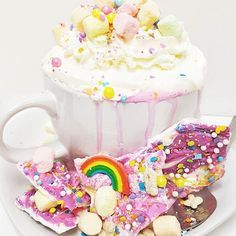 This is not a dream, we are all magically mad here 🦄 Unicorn hot chocolate & unicorn bark sold seperatly #unicorn #igfood #magical #unicornhotchocolate #unicornlove #yummy #cremeandsugaroc #hotchocolate #rainbow