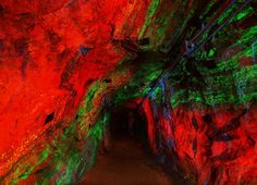 See the World's Largest Collection of Fluorescent Rocks | Travel | Smithsonian