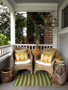 Simple tips for you to get Small front porch decorating ideas