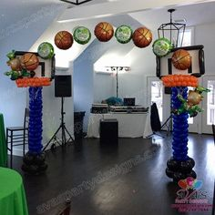 St. Patrick\'s Day + March Madness Basketball Theme Balloon Arch. #PartyWithBalloons