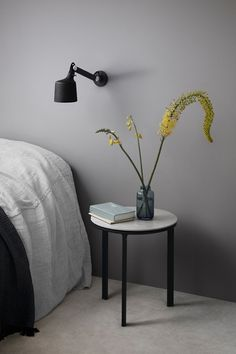 vipp-523-wall-lamp-small-lifestyle-2-low Meme Design, Dark Blue Walls, College Room Decor, Deco Addict, Bedside Lighting, Table Frame, Interior Decorating, Interior Design, House And Home Magazine