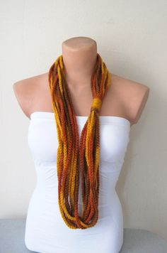 Chain Scarf--love this. Would be so easy to do.