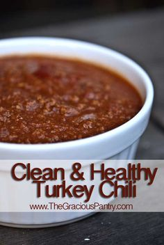 Clean Eating Turkey Chili -organic ground beef, black beans, no tomato sauce, and only of cumin but it's DELICIOUS! Chili Recipes, Real Food Recipes, Cooking Recipes, Yummy Food, Healthy Recipes, Healthy Meals, Healthy Chilli, Tasty, Detox Recipes