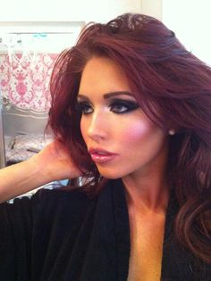 Amy Childs makeup. pixiwoo :: Home - picture from the pixie woo blog. Samantha just did a tutorial for it but I think it would be fun to do my own - Amy Childs