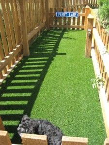 I love the idea of using turf in the dog's run! Perfect Turf® Dog Runs No Muddy Paws! Much easier to maintain than natural grass. More gentle on your dog's feet than gravel or mulch. Droppings become dry & hard making clean up a breeze! Backyard Dog Area, Dog Friendly Backyard, No Grass Backyard, Dog Yard, Dog Run Side Yard, Dog Run Fence, Dog Spaces, Dog Potty, Dog Rooms