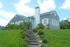 Captivating! Ocean Views - 3 bedroom - 2,100 square foot Cottage House