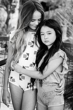 Trendy Dresses For Teenage Girls Beautiful Little Girls, Cute Girls, Cool Girl, Teen Models, Young Models, Preteen Girls Fashion, Girl Fashion, Little Girl Leggings, Teen Girl Poses