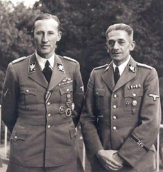 The often seen photo of R. Heydrich & K.H. Frank (#1)