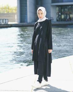 Style Hijab Remaja Kurus 58 Ideas For 2019 Modest Fashion, Trendy Fashion, Fashion Outfits, Skirt Fashion, Fashion Fashion, Casual Hijab Outfit, Casual Outfits, Ootd Hijab, Space Fashion