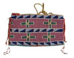Crow Beaded Hide Pouch - Cowan's Auctions Native American Clothing, Native American Photos, Native American Artifacts, Native American Beadwork, Native American Tribes, Native Americans, American Indians, American Indian Crafts, Native American Art