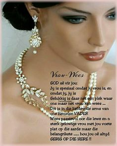 Afrikaanse Quotes, Goeie More, Ladies Day, Friendship Quotes, Pearl Necklace, Pearls, Inspiration, Beading, String Of Pearls