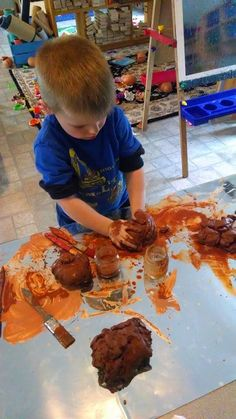 This post will be filled with images and links to get you thinking about possibilities for your atelier/art studio. the idea is to pick o. Reggio Emilia Classroom, Reggio Emilia Approach, Tablet Weaving, Expressive Art, Early Childhood Education, Early Education, Learning Through Play, Preschool Art, Eyfs