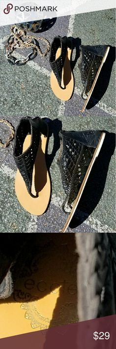 UO Ecote Leather Sandals In excellent condition. Anthropologie Shoes Sandals