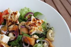 delicious salads to try Halloumi, What To Cook, Desert Recipes, Bon Appetit, Feta, Potato Salad, Salads, Deserts, Food And Drink