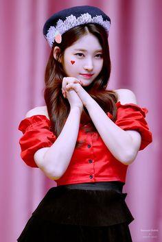 Kpop Girl Groups, Korean Girl Groups, Kpop Girls, Comeback Stage, Somebody To You, Fandom, Yuehua Entertainment, Ulzzang Girl, New Girl