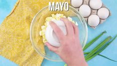 THE BEST EVER CLASSIC DEVILED EGGS (+Video) | The Country Cook Crockpot Recipes, Cooking Recipes, 16 Bars, Ham Salad, Cube Steak, Dinners, Meals, Cake Videos, Country Cooking