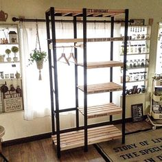 Diy Pallet Furniture, Furniture Design, Wood Corner Shelves, Retail Concepts, Home Room Design, Closet Designs, Closet Bedroom, House Rooms, Wood Design