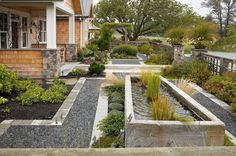 pretty out side land scaping