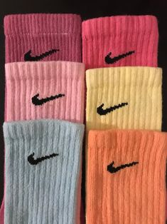 Funky Socks, Cute Socks, Colorful Socks, Cute Nike Outfits, Cute Lazy Outfits, Gym Outfits, Fitness Outfits, Athletic Outfits, Dr Shoes