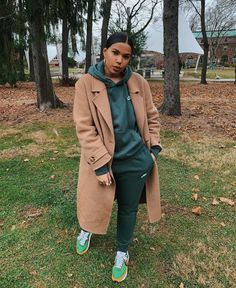 This colors are always on trend colors are always on trend Tomboy Outfits, Chill Outfits, Dope Outfits, Outfits For Teens, Trendy Outfits, Fashion Outfits, Fashion Tips, Black Girl Fashion, Tomboy Fashion