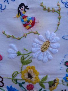 Fiz duas oficinas com Martha Dumont e Luana Dumont.   Tenho aprendido muito...quando crescer vou bordar muito!!!