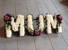 funeral flowers. Vintage style MUM funeral flower letter tribute. www.thefloralartstudio.co.uk