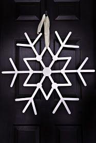 Love this simple DIY Snowflake Holiday Decor tutorial!