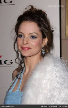 Kimberly Williams Paisley Jennifer Love Hewit, Kimberly Williams, Historical Clothing, Summer Colors, Celebrity Photos, Paisley, Vintage Outfits, Pure Products, Celebrities