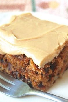 Old-Fashioned Apple Cake with Brown Sugar Frosting. Brown sugar frosting would be the right color for construction cupcakes Yummy Recipes, Apple Recipes, Dessert Recipes, Cooking Recipes, Brown Sugar Fudge, Brown Sugar Frosting, Butter Frosting, Apple Recipe No Brown Sugar, Recipes With Brown Sugar