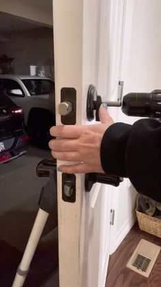 Amazon Gadgets, Cool Gadgets To Buy, Home Gadgets, New Gadgets, Home Improvement Projects, Home Projects, Door Knobs And Knockers, Girl Life Hacks, Diy Crafts Hacks