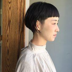 Short Hairstyles For Women, Bob Hairstyles, Hair Barber, Shaggy Haircuts, Bowl Cut, Creative Hairstyles, Girl Short Hair, Mid Length Hair, Love Hair