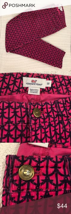 Vineyard Vines Pink/Navy Anchor Corduroy Pants Vineyard Vines Navy/Pink anchor print Corduroy pants. Excellent Condition-NO stains, rips/holes or fading. From a smoke free environment. Machine Washable Vineyard Vines Pants