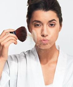18 Ways to put on make up better: Think you've got your makeup routine down to a science? Maybe—but these easy makeup artist tips may actually improve it. Skin Makeup, Beauty Makeup, Hair Beauty, Makeup Contouring, Drugstore Makeup, Makeup Brushes, Makeup Tricks, Makeup Ideas, Real Simple