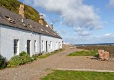 Shoreside Beach Cottage, Southern Scotland   - Burnmouth,