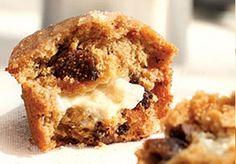 muffins gevuld met geitenkaas, honing en vijgen