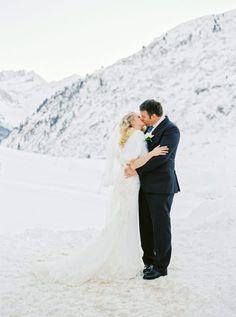 #weddinginaustria #hochzeitinösterreich #hochzeitsideen #winterhochzeit #makeithappenevents #winterhochzeitösterreich Freezing Cold, Alps, Frozen, British, Husband, Wedding Dresses, Beautiful, Instagram, Fashion