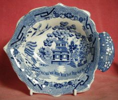Antique Willow Pattern Blue and White Transferware Flounder Shaped Pickle Dish