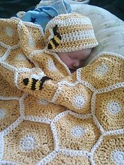 Ravelry: Sweet As Honey Baby Blanket Set with Bee Applique pattern by Sara Leighton
