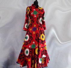 TUNIQUE FEMME MI LONGUE mi-longue cintrée, col officier et boutonnage à brides, imprimée rouge à dessins ethniques : Chemises, blouses par akkacreation