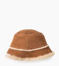 10717e876c617 GiftHead - Ugg Sheepskin Bucket Hat UGG Australia