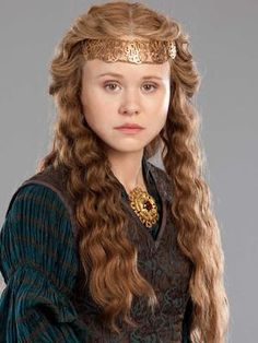 """Alison Pill portrays Maud/Empress Matilda, cousin of King Stephen, in """"The Pillars of the Earth"""" a TV miniseries on ENCORE the Crown! Alison Pill, Medieval Hairstyles, Historical Women, Princess Aesthetic, Movie Costumes, Period Costumes, Goddess Braids, Medieval Fantasy, Historical Costume"""